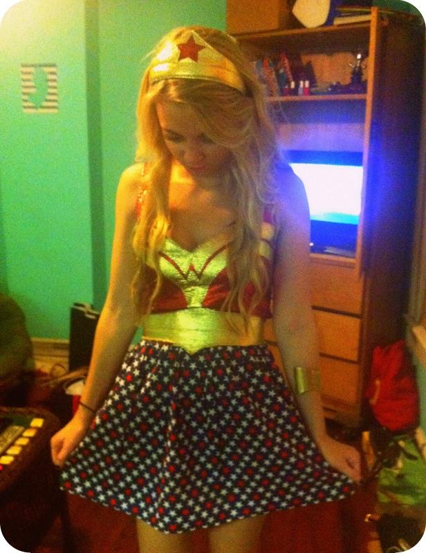 #wonderwoman #crown #dress